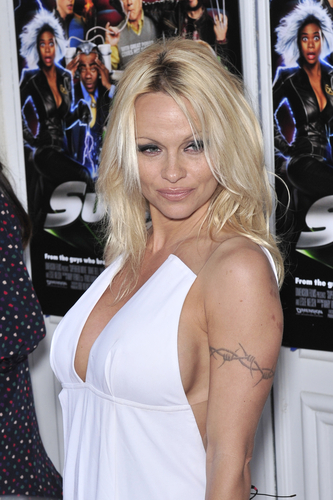pamela_anderson_Tattoo_removal
